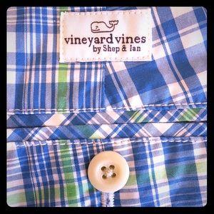 Vineyard Vines boys size 18 shorts